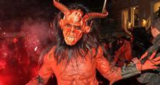 Největší Krampuslauf ve Schladmingu a vánoční trhy v Salzburgu