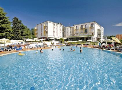 COOEE Pinia hotel by Valamar