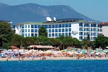 Hotel Grand Zaman Beach