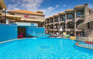 Hotel White Olive Premium