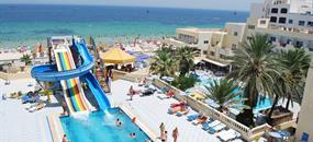 Hotel Karawan Beach & Resort