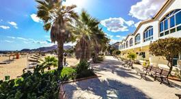 Hotel Sandy Beach & Resort