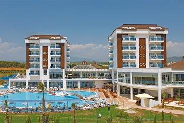 Hotel Cenger Beach Resort & Spa