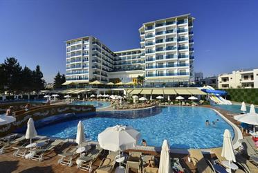 Hotel Azura Deluxe