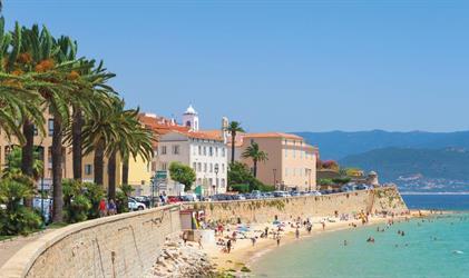 Korsika a Sardínie