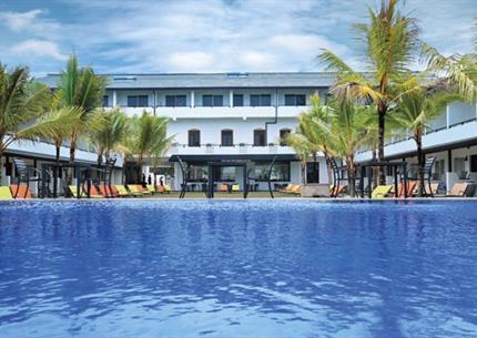 Resort Coco Royal Beach