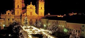 Pasov a plovoucí vánoční trh na Dunaji