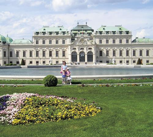 Vídeň a zámek Schönbrunn vlakem