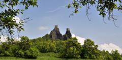Zámek Sychrov, putování kolem rybníků Českého ráje, zřícenina hradu Trosky