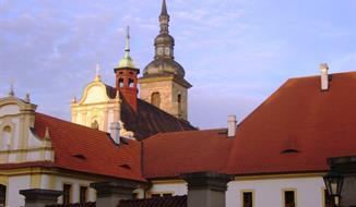 Zámek Nebilovy, hrad Radyně, okruh po skalní stezce, Plzeň