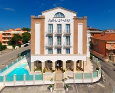 Alba Palace ****