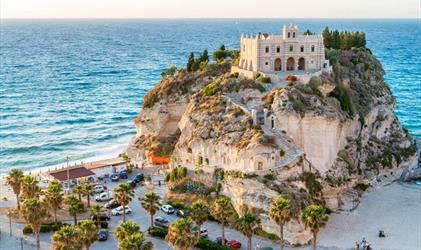 Kalábrie s výletem na Sicílii a Lipary