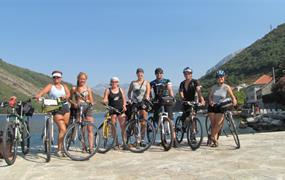 Národní parky a moře Černé Hory na kole - stany