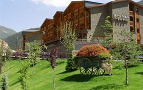 Pohodový týden - Andorra - srdce Pyrenejí - bus - exclusive