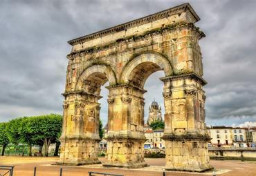 Francie - Bordeaux a Akvitánie, památky, víno a vlny Atlantiku (letecky)