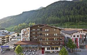 Rakousko - St. Anton - Perla západního Tyrolska s kartou
