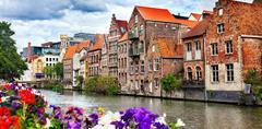 Belgie, umění, památky UNESCO, gastronomické zážitky či květinový koberec