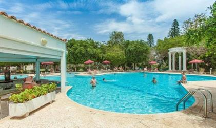 Henipa Crown Resort