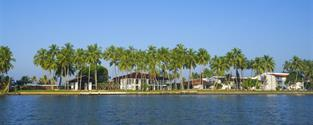 Hotel Avani Kalutara Resort and Spa