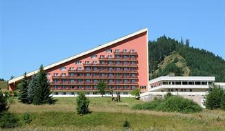 HOTEL MÁJ