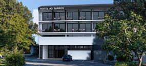 Hotel Ad Turres s bazénem