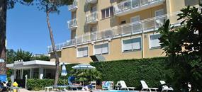 Hotel Bahama s bazénem