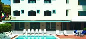 Hotel Ricchi s bazénem