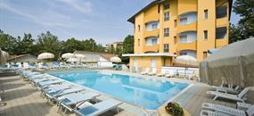 Hotel Parador s bazénem