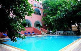 Hotel Oriente s bazénem