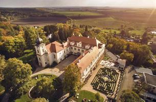 Adventní autobusový zájezd - Advent na zámku Loučeň - příběh vánočního stromečku