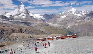 Pěší turistika ve stínu Matterhornu