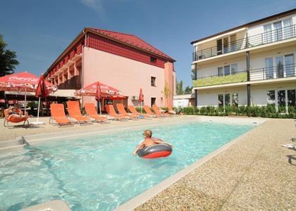 Garni Hotel Relax ***