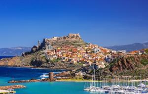 Fly & Drive: Objevte sever Sardínie!