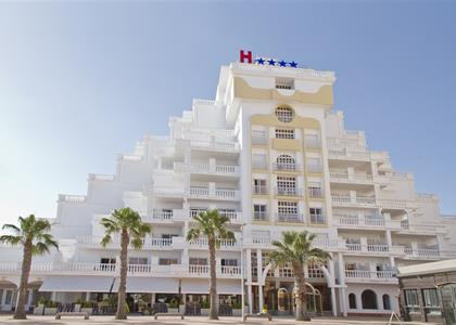 HOTEL LAS GAVIOTAS ****