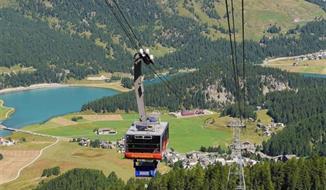 Středisko luxusu Svatý Mořic a Bernina s volnou kartou na lanovky