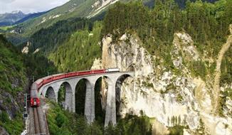 Horskými vlaky po Švýcarsku