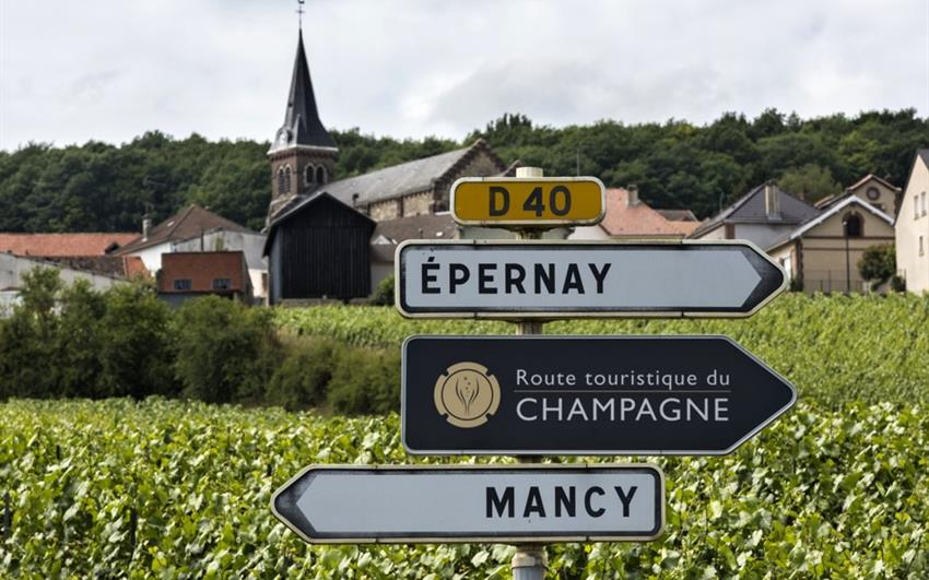 Vinicemi Champagne a malebné Alsasko