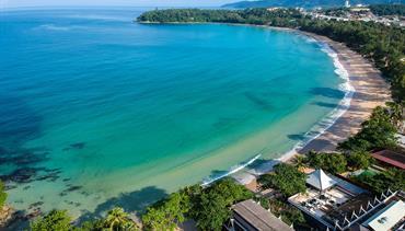 Kata Palm Resort & Spa, Phuket - pláž Kata