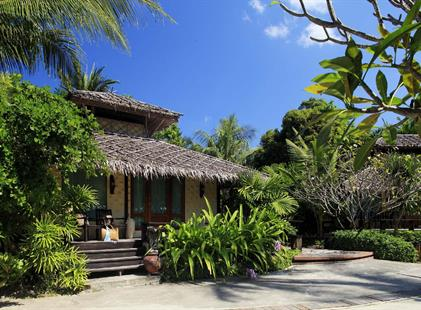Centara Tropicana Resort, Ko Chang - pláž Klong Prao, Long Beach Garden Hotel, Pattaya, Bangkok Palace Hotel, Bangkok