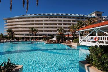Hotel Crystal Admiral Resort Suites and Spa