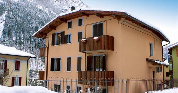 Apartmánový dům Carona