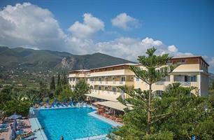 Hotel Koukounaria & Suites