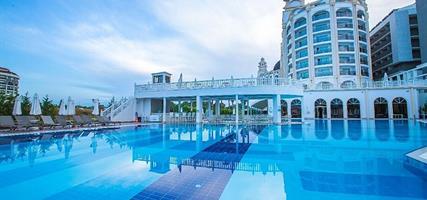 Hotel J'adore Deluxe Hotel & Spa