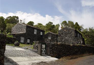 Hotel Houses in Pico