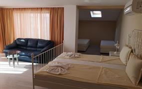 Hotel ASHRAM