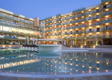 Hotel Ariti Grand