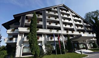 hotel Savica + skipas Slovinské Alpy - 2 noci + 2 dny skipas