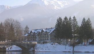 Hotel Jezero, 2 x nocleh + 2 x skipas Vogel