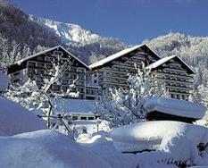 Bad Goisern, Alpenhotel Dachstein*** s bazénem, zima ***