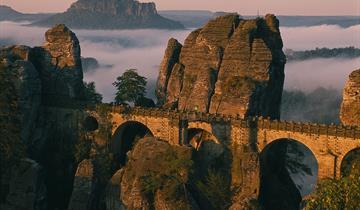 Saské Švýcarsko a Drážďany-úchvatné přírodní scénerie kousek za českou hranicí
